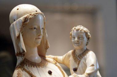 Virgem e Menino da Santa-Capela